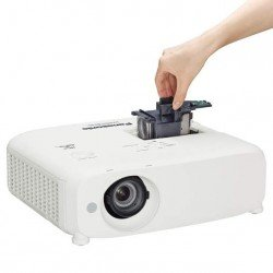 Proyector PANASONIC PT-VZ575NU 3LCD WUXGA 4,800 Lumenes High Brightness Portable Projector Wireless Network